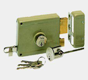 slotenmaker-utrecht-yale-oplegslot-sloten-vervangen